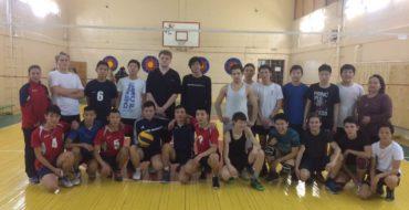 22 ноября состоялась товарищеская встреча по волейболу среди команд юношей МОБУ СОШ 33 и Кобяйской средней школы