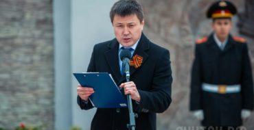 Урок мужества провел победитель республиканского конкурса «Учитель года – 2017» учитель истории – Прокопий Батюшкин.