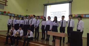 В рамках юбилейных мероприятий  13 декабря   коллективы 8-х и 9-х классов провели  День открытых дверей школы