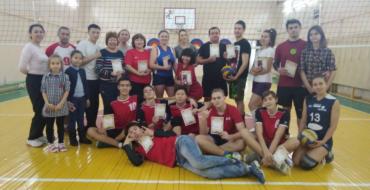 16 декабря 2017 года состоялся турнир по волейболу, посвященный  25-летию школы