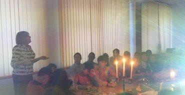 18 января в библиотеке школы №33 состоялось мероприятие, посвященное  Рождественским святкам