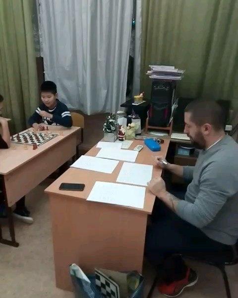 Новогодние шашки.  Турнир среди 5-6, 7, 8 классов