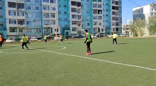 Матч ⚽️: Сборная учителей – сборная учеников СОШ -33