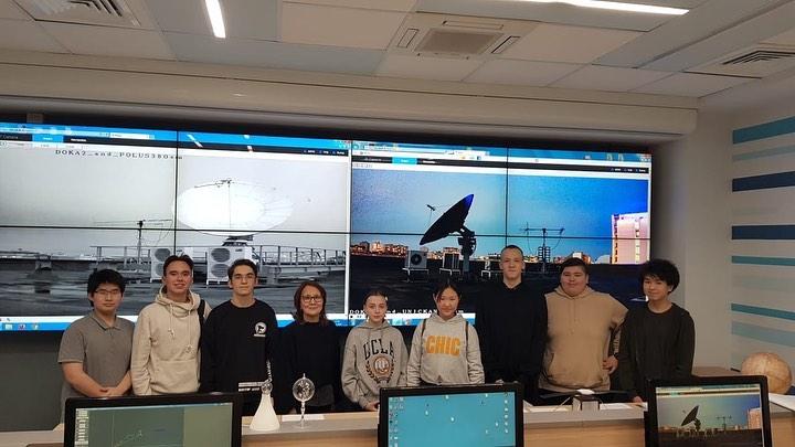 27 января группа ребят, участники XIVМеждународных юношеских научных чтений, посетили в Молодежный космический центр при МГТУ им. Баумана